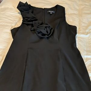 Simple, elegant LBD with stretch!